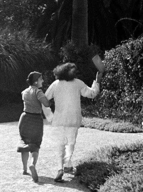 Baba with Anita de Caro in Cannes, France 1937