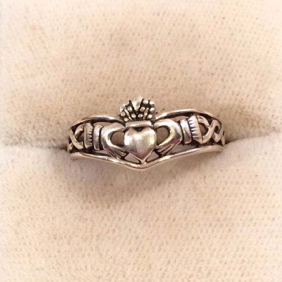 Vintage Sterling Silver 925 Irish Claddagh Ring by JewelryGeeks