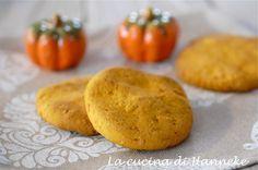 Con l'avvicinarsi di Halloween vi tento con questi deliziosi e profumatissimi biscotti alla zucca, nocciole e cannella, una ricetta senza glutine!