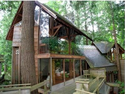 Paul Merrick's Tree House on Larson Place in West Vancouver | Five Eccentric B.C. Houses
