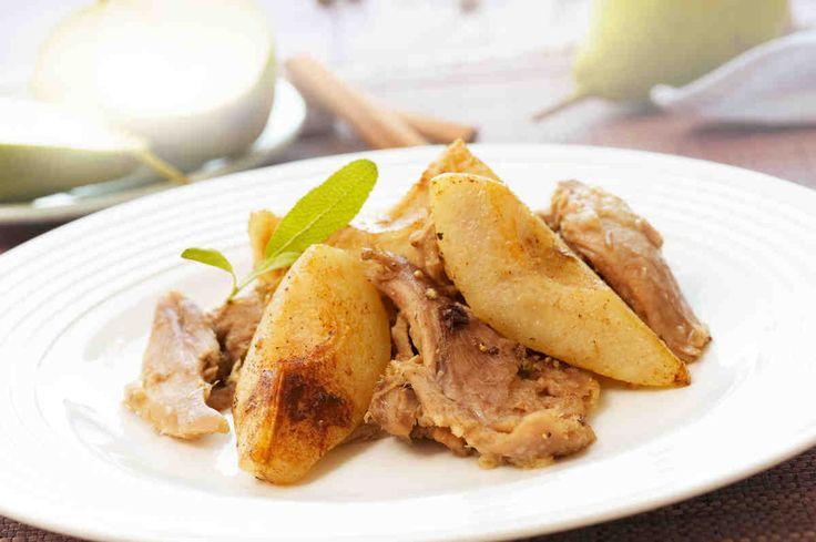 Kaczka z gruszkami #smacznastrona #przepisytesco #gruszki #kaczka #obiad #rozmaryn #szałwia #mniam