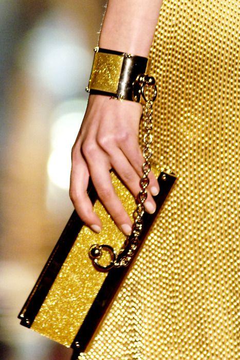 Fashion Hands - Gucci