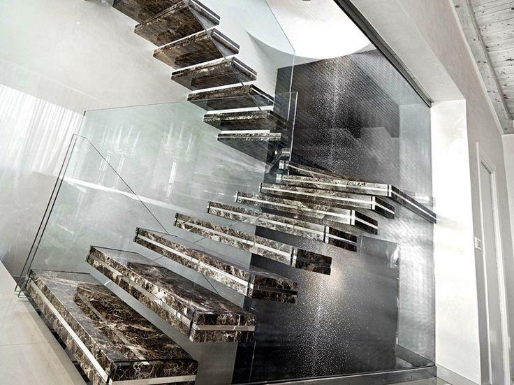 Escalera volada de m rmol luxo stone officine sandrini for Marmol definicion