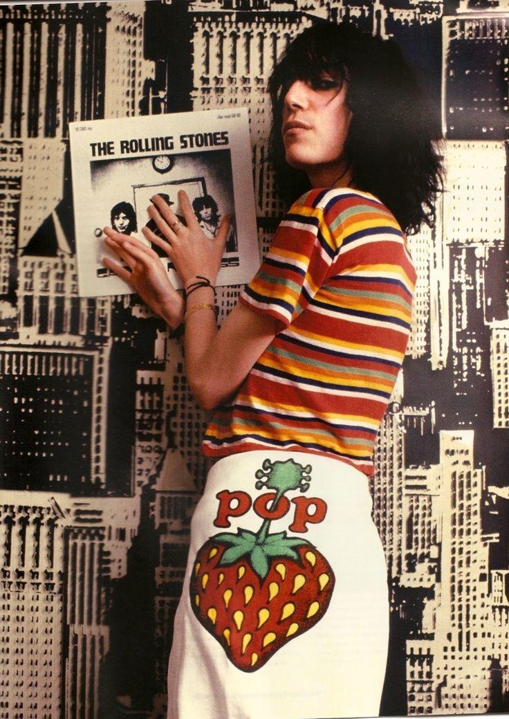 #Punk poetess Patti Smith posing with a Rolling Stones album #pattismith #rollingstones