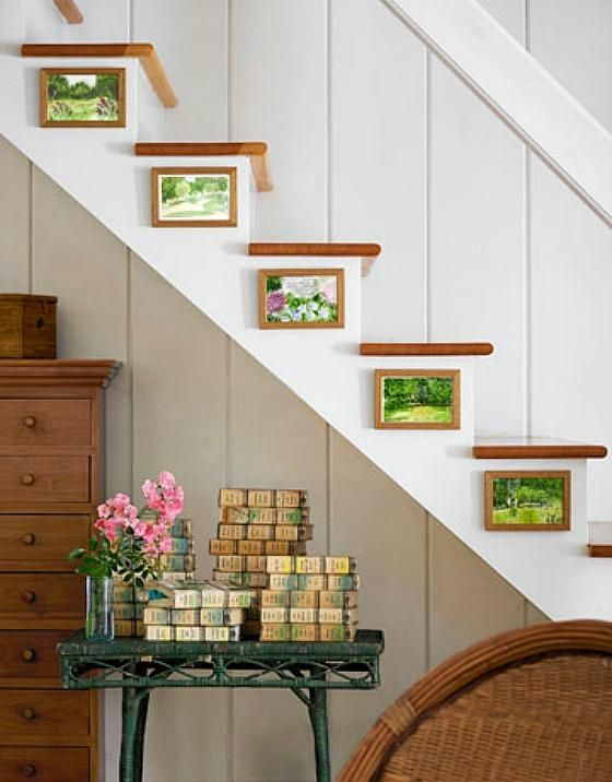 Such a charming idea for dressing up the side of a staircase!