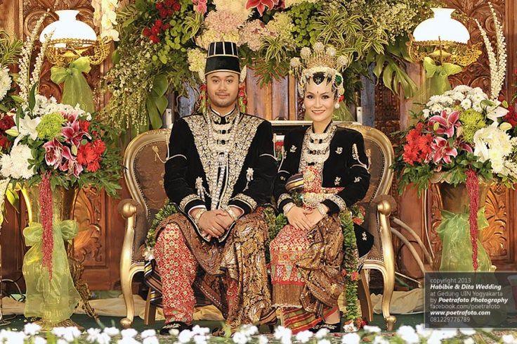 Foto Pernikahan Dita+Habibie dg Rias Gaun Pengantin Paes Ageng Jogja Yogyakarta
