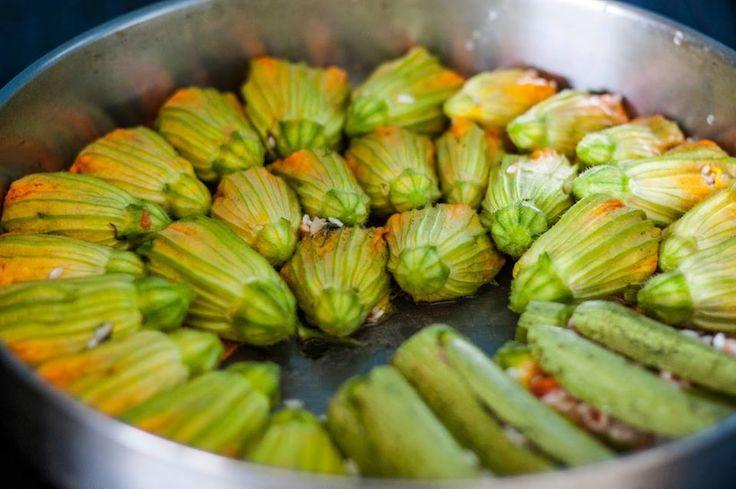 Κολοκυθοανθοί γεμιστοί   Courgette flowers filled with rice and vegetables no recipe - just interesting how they cook it