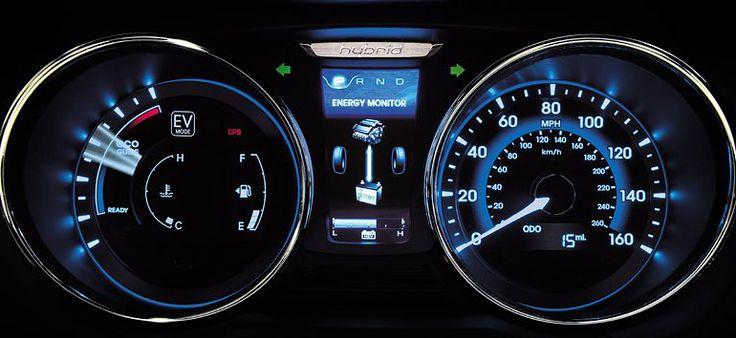 2014_Hyundai_Sonata_Hybrid_21.jpg