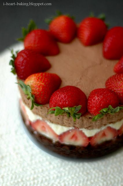 i heart baking!: father's day - triple chocolate mousse cake with strawberries