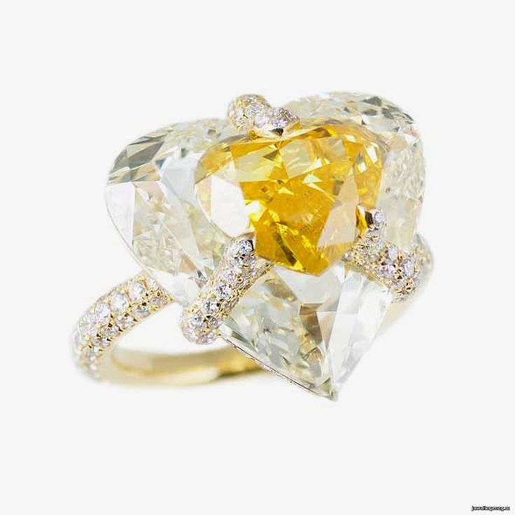 Beautiful Boghossian yellow diamond ring from the Kissing Diamonds collection