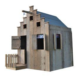 Ruim kinderspeelhuis voor in de tuin in de vorm van een grachtenpand. Dit speelhuis met de uitstraling van een Amsterdams grachtenpandje heeft een mooie en robuuste uitstraling door het gebruik van onbehandeld steigerhout. Het hout is tevens geborsteld met een speciale borstel. Natuurlijk blijft het steigerhout en wat grof van structuur. Het huisje heeft verschillende ramen die gesloten kunnen worden doormiddel van luiken. Ook heeft het huisje een trapgevel, een takel en een stoepje met...