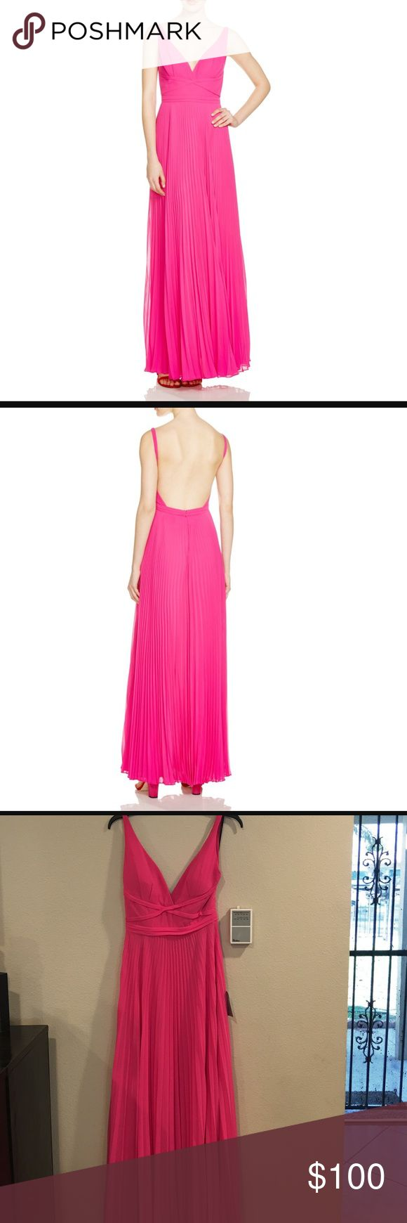 Laundry by Shelli Segal Sleeveless V-neck Gown! Sleeveless V-Neck Plisse Gown, Electric Pink! Offers Welcome!!😊 Laundry by Shelli Segal Dresses