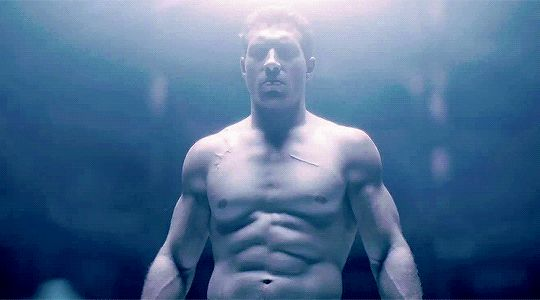 Pin for Later: 47 Sexy Movie Moments That Gave You Hot Flashes This Year Terminator Genisys FYI: Jai Courtney's futuristically sexy role in Terminator Genisys has plenty of shirtless scenes.