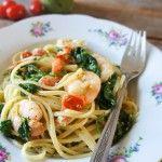 Pasta met garnalen, spinazie en pesto