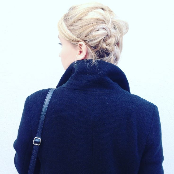 #Eloandlea  #style #winterstyle #hair #blondie #girl #stylehair #black #white #ootd #otd #hairdressing #kiabi #picoftheday #shooting #streetphotography #bordeaux #bordeauxmaville