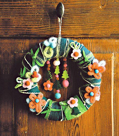 Szemet gyönyörködtető karácsonyi koszorúk a bejárati ajtóra | femina.hu