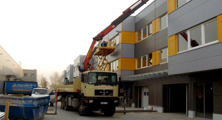 A darura akkor van szükség, ha nagy súlyú terheket kell egy építési terülten belül mozgatni.  http://www.kovacsdaru.hu/