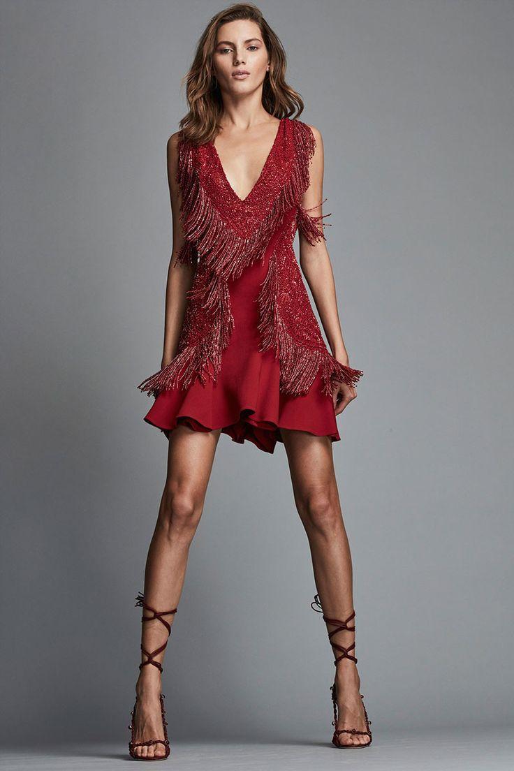 9 Modern Red Dress Styles to Make You Star of the Night   https://brideandbreakfast.hk/2018/03/02/9-modern-red-dress-styles-to-make-you-star-of-the-night/