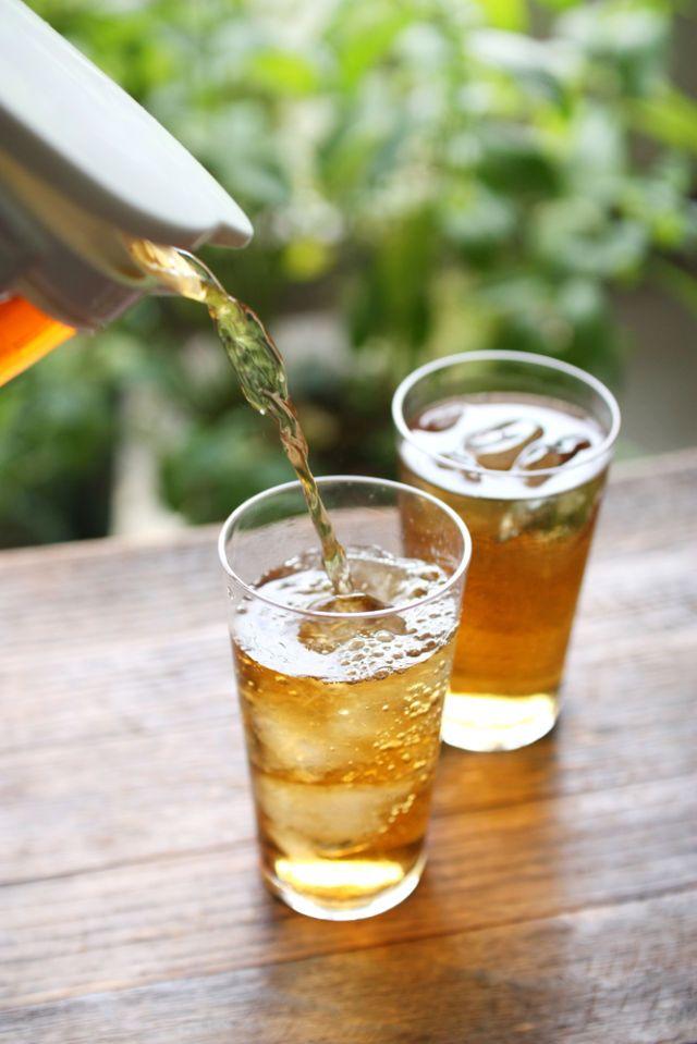 夏の定番麦茶はカフェインレス!? 効能や健康効果について解説