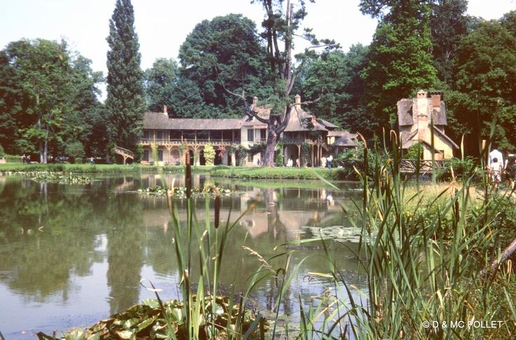 1979 Versailles le Hameau de la Reine
