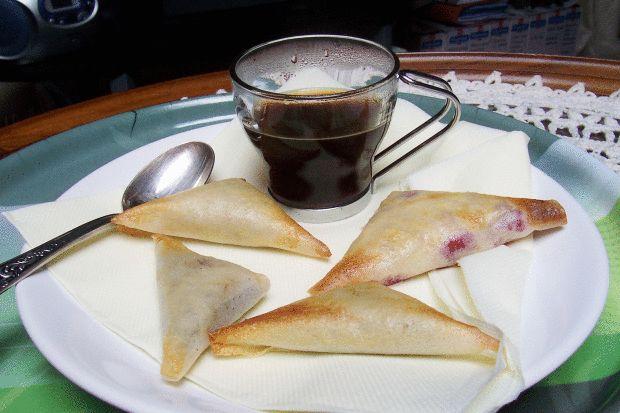 On trouve de la caféine dans le thé, le cacao, les boissons au cola, le maté, ont un effet excitant, réconfortant, défatiguant, peut nous empêcher de dormir
