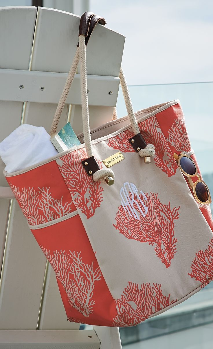 Artisan designed and beautifully crafted, our Coral printed tote bag is a chic beach carryall.