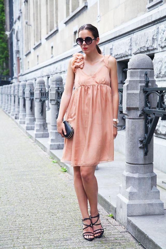 Vestito rosa cipria ed una cena speciale ad Amsterdam (via Bloglovin.com )
