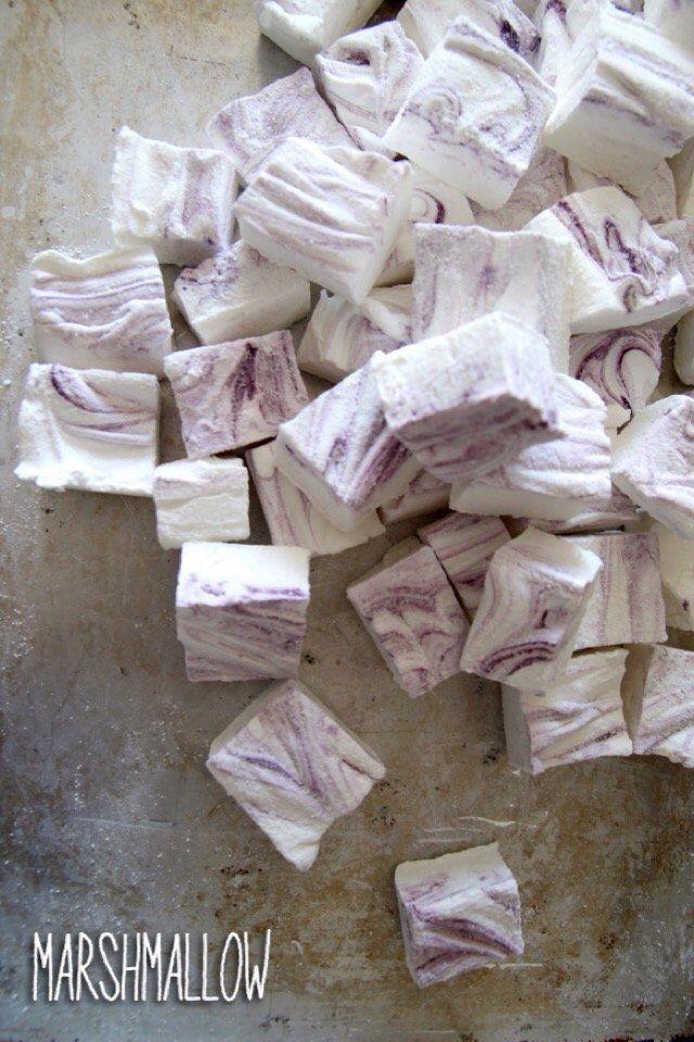 Marshmallows  http://peppersmatter.wordpress.com/2014/11/24/marshmallows-a-natale/