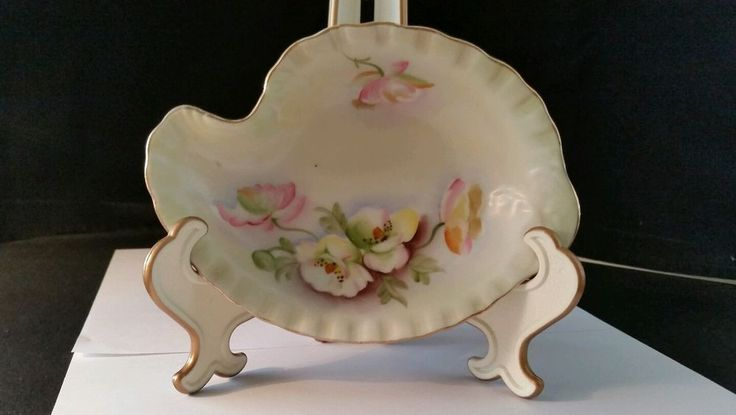"""Lefton Hand Painted Candy Dish 7"""" x 5"""" Pastel Flowers Pale Green Background CT25"""