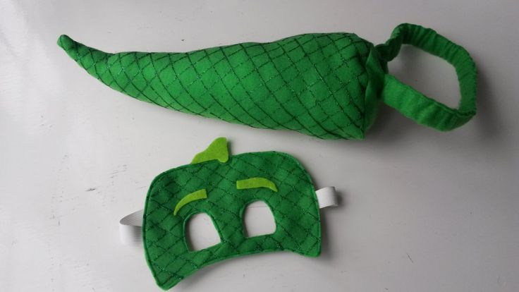Gekko Mask and Tail Set. Disneys PJ Masks Hand painted Costume for Children.Perfect for Parties, Pretend Play, Halloween & Christmas by MeniainWonderland on Etsy