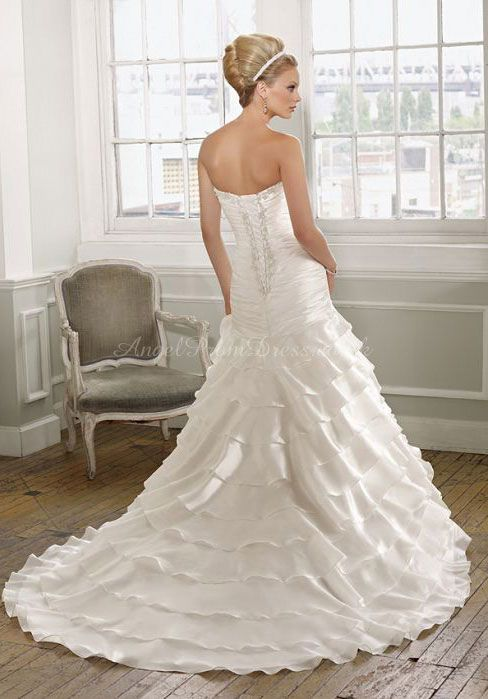 Visit Bride's Book for all you wedding planning ideas and tools plus the best local vendors and a great outlet mall http://www.brides-book.com