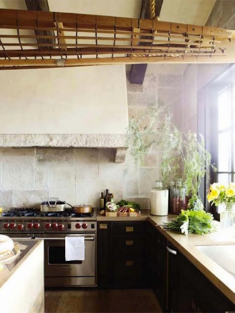 stone, wood & cement kitchen.Kitchens Interiors, Living Room Design, Mediterranean Kitchen, Stones Wall, Design Kitchens, Country Kitchens, Open Kitchens, Design Home, Modern Kitchens Design