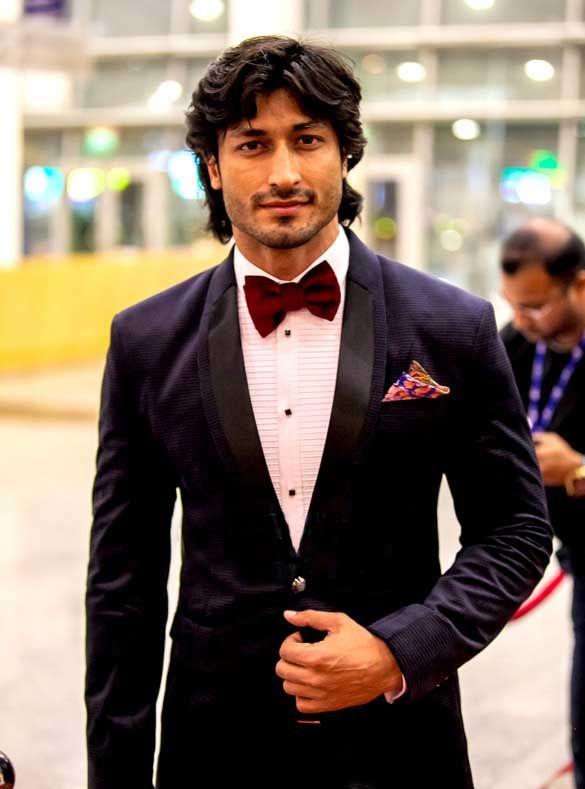 Vidyut Jamwal Height