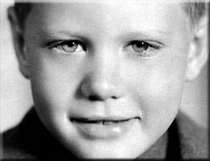 ❤ Larry Hagman, as a Boy . . .Beautiful Eyes of Our Beloved Larry, We Miss You Dearly !!
