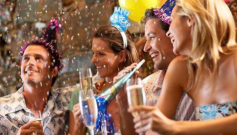 Szilveszter … ez az este is egy alkalom az ismerkedésre   http://cupydo.hu http://cupydo.blog.hu