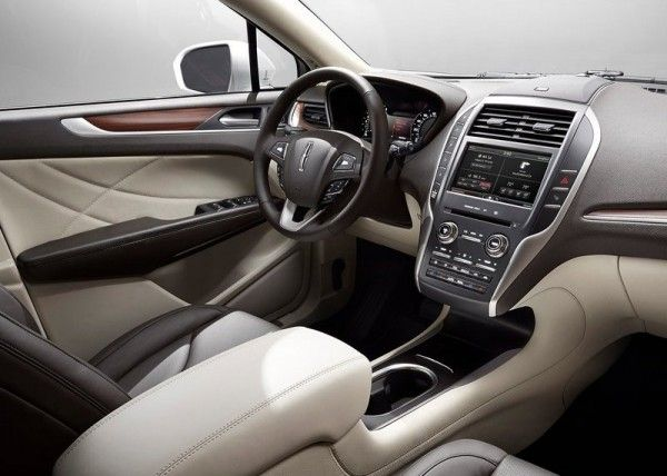 2015 Lincoln MKC Luxury Dashboard 600x428 2015 Lincoln MKC Full Reviews