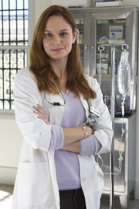 Prison Break Actress Kaley Cuoco Wallpapers HD Wallpapers
