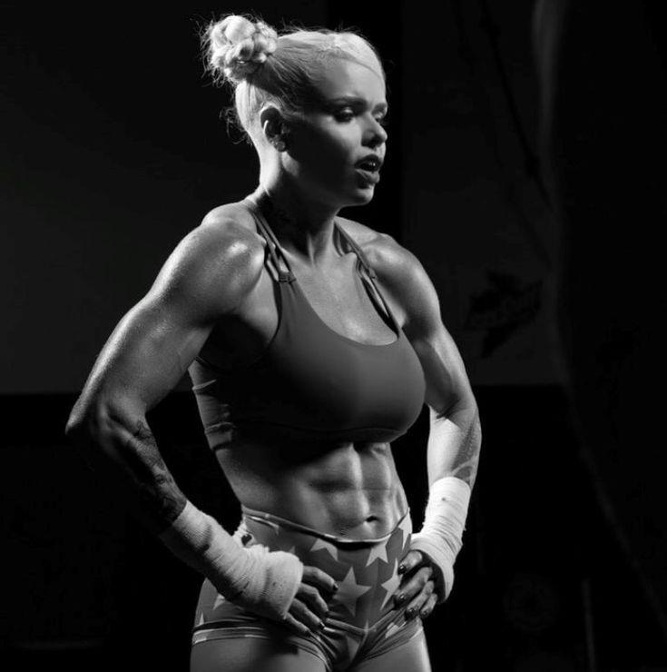 Larissa reis in 2020 larissa reis female fitness model