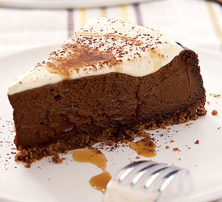 Kahlua chocolate cheesecake - Decadent, tempting chocolate cheesecake with the taste of coffee liqueur. Yummy!
