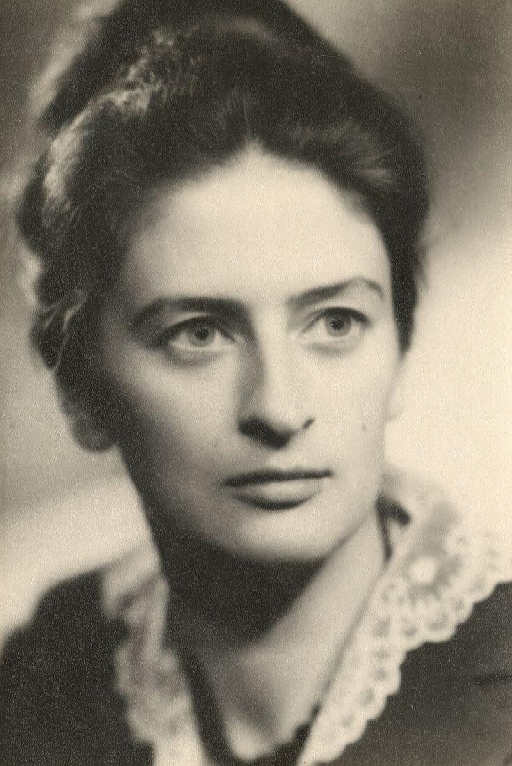 Зинаида Серебрякова.