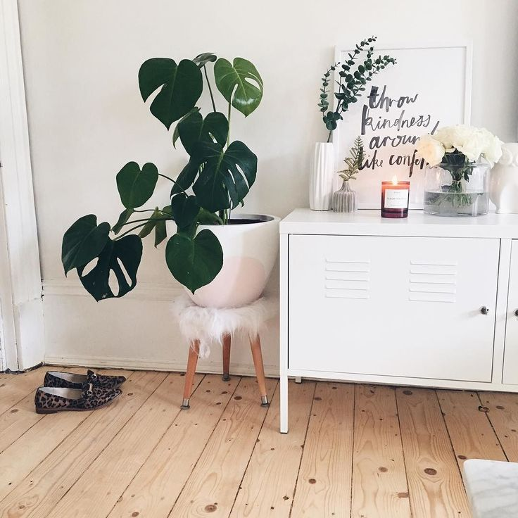 Very Tiny Bedroom Ideas: 1000+ Ideas About Very Small Bedroom On Pinterest