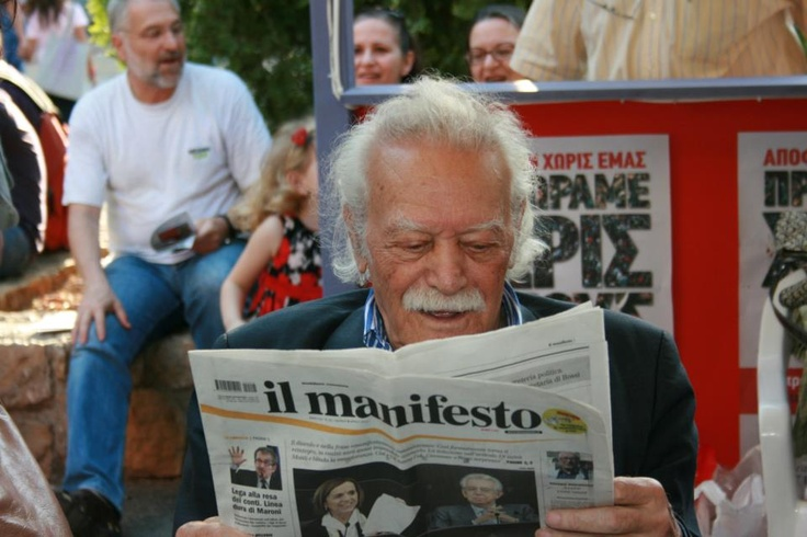Greek Partisan and II World War Hero Manoli Glizos supports il manifesto (picture by Argiris Panagopoulos)