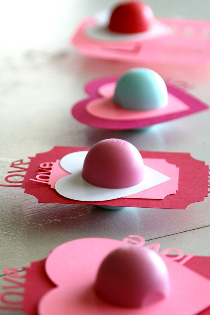 Balm christmas gift turn old eos containers into cool crafts ideas - Diy Eos Valentines Perfect For Tweens Teens And Teachers Complete With Free Printabels