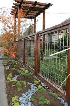 DIY cedar cattle panel fencing - What a great looking fence! See it can be pretty & functional!