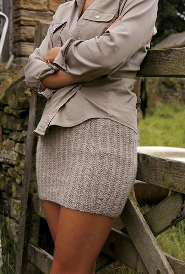 Ribbed mini skirt pattern by Kim Hargreaves