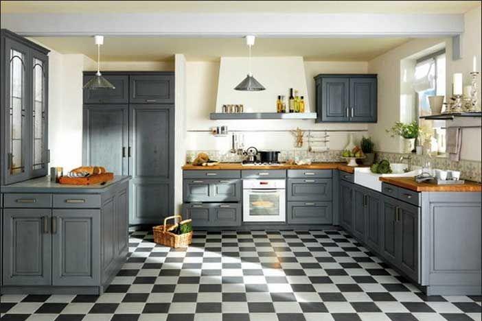 Landhausküchen ideen mit grau küchenschränke installation und weiss schwarz kariert muster bodenfliesen für französisch küche dekor