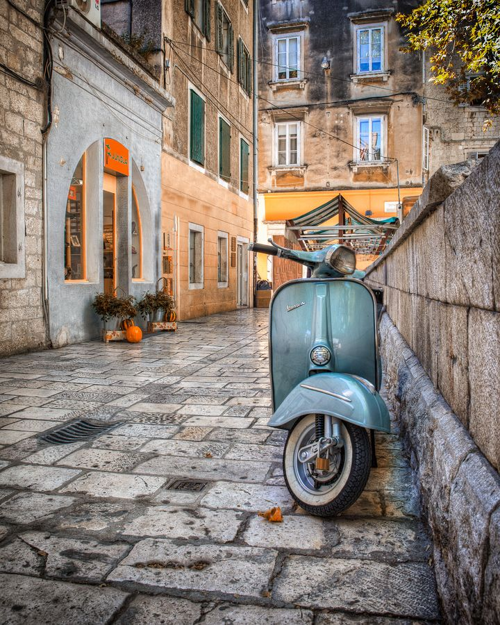 Vespa- the classic way to tour Italy.