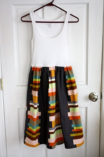 cute tank dress, I've been trying to figure out how to do this with the elastic, glad someone else did it for me