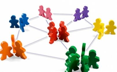 Réseaux sociaux : 7 astuces à adopter pour trouver rapidement un emploi