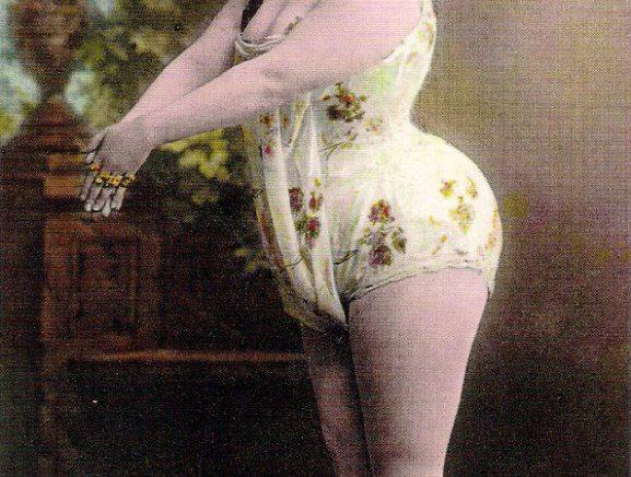 Las medidas de la belleza a finales del XIX (140-120-200)